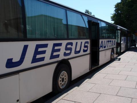 137-jeesusauttaa.jpg